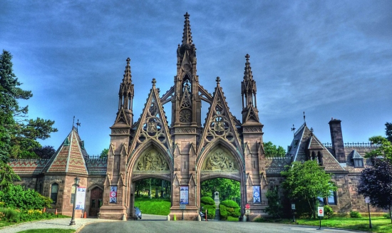 Green-Wood-Cemetery-Main Gate 750w